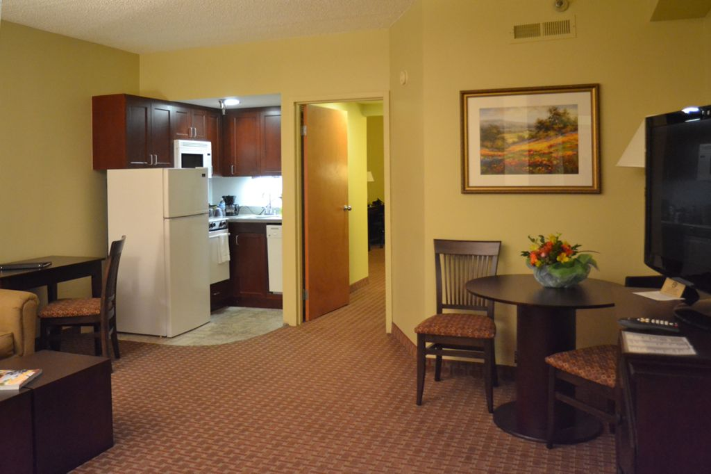EXTENDED STAY SUITES